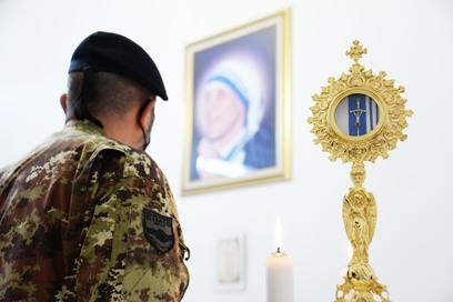 4 momento della consacrazione della cappella dedicata a santa teresa di calcutta