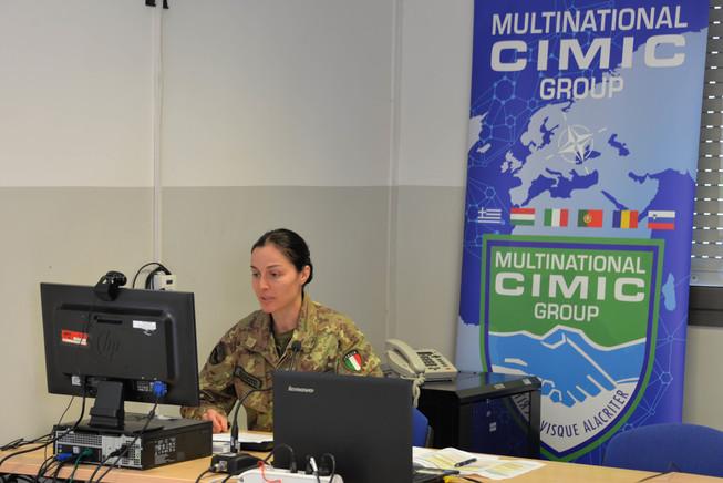 3. operatore cimic durante una lezione