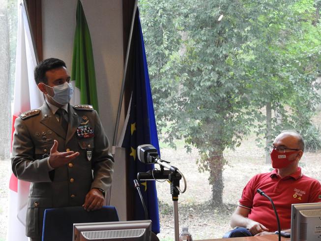 1. il colonnello zuzzi durante la lezione